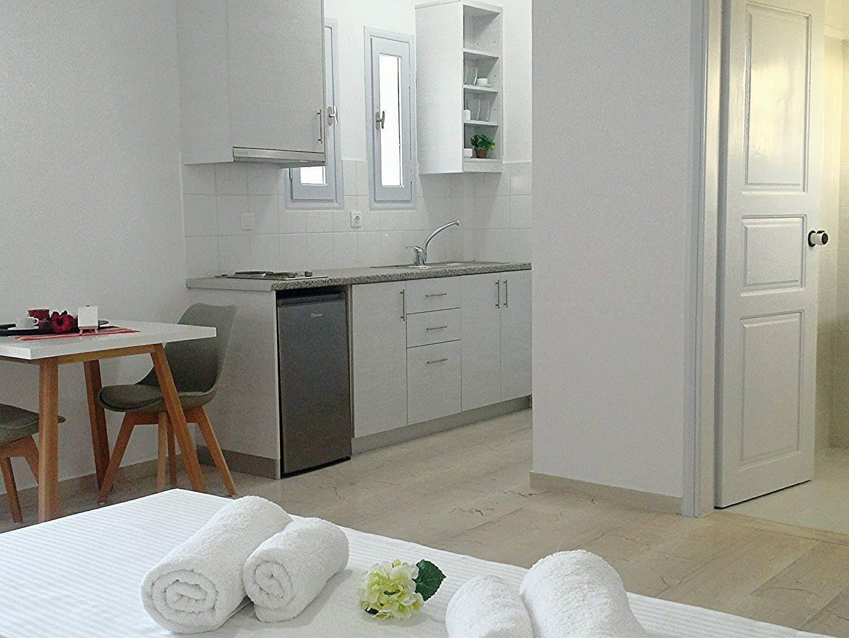 Standard Room - Crown Apartments